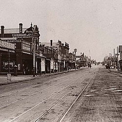 High Street, Thornbury looking north from Normanby Avenue circa 1920s